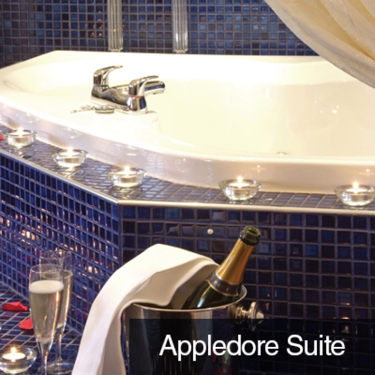 The Appledore Suite Jacuzzi