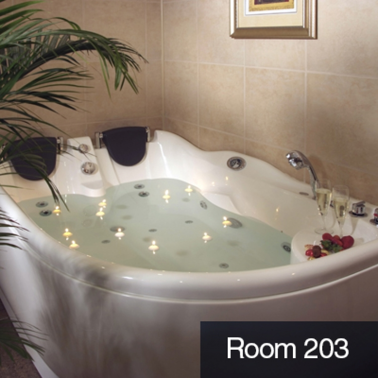 Room 203 Jacuzzi Suite