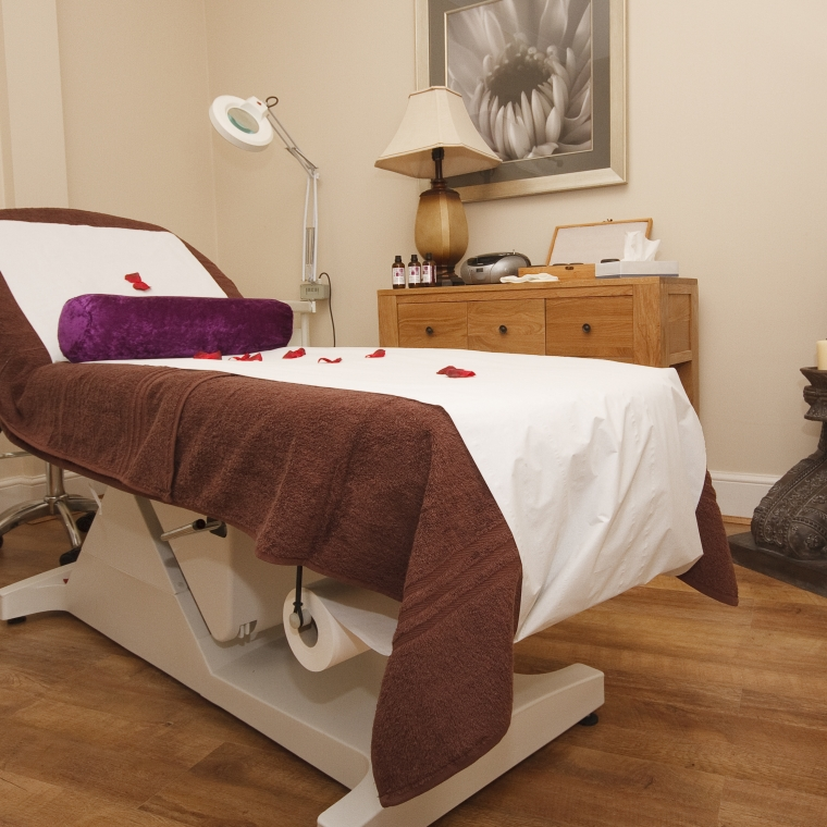 R&R Spa's Massage Bed